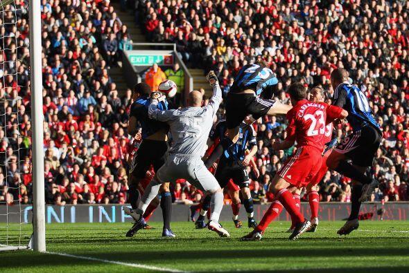 Pero un viejo conocido del Liverpool puso las cosas igual.