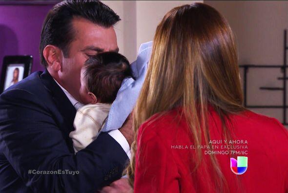 ¡Muy bien Fernando! Llévate al pequeño Diego muy lejos de su malvada mamá.