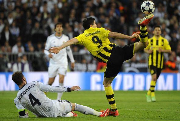 Pero el Dortmund hizo todo lo posible para volver a alejar el balón de s...
