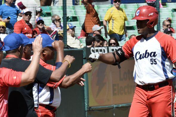 En la séptima entrada Cuba respondió cuando Luis Valdés sonó un poderoso...