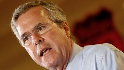 """Jeb Bush explica por qué los ataques por el uso del término """"bebés ancla..."""