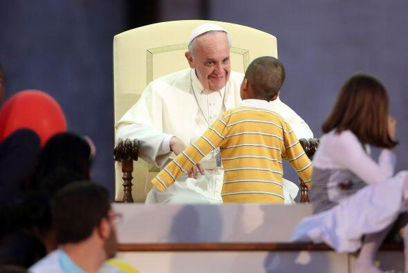 Y cómo olvidar esta escena, cuando un niño colombiano burló la seguridad...