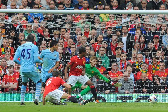 El United recibí al City en Old Trafford y los visitantes se adelantaron...