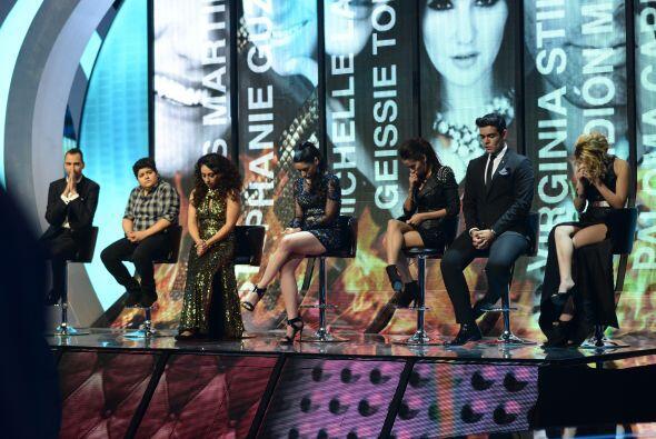 Los siete chicos, esperando la decisión de Alejandra, Larry y Jul...