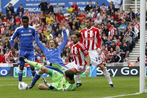 El 'Niño' Torres se quejaba de este potencial penalti, que no fue marcad...