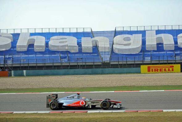 Hamilton logró una ventaja de más de cinco segundos sobre Vettel antes d...