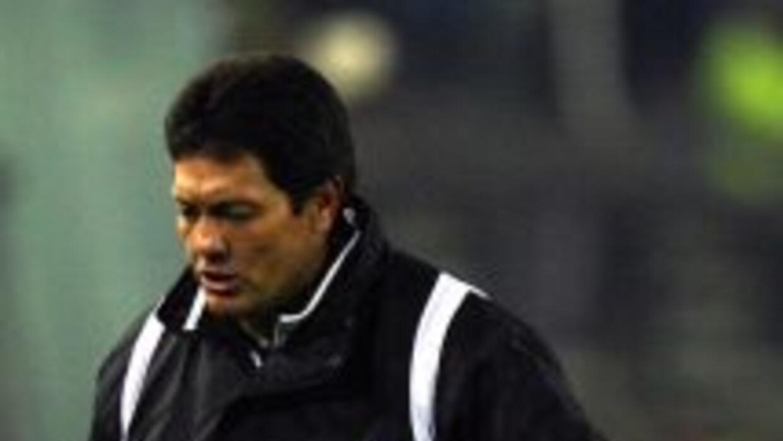 El entrenador Mauricio Soria, del Real Potosí de Bolivia, será investiga...
