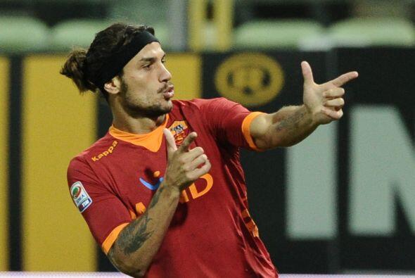 El argentino Pablo Osvaldo consiguió, de cabeza, el tanto en favor de lo...