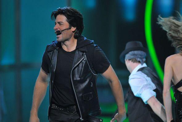 El cantante boricua inició la noche con mucha energía en su regreso a lo...