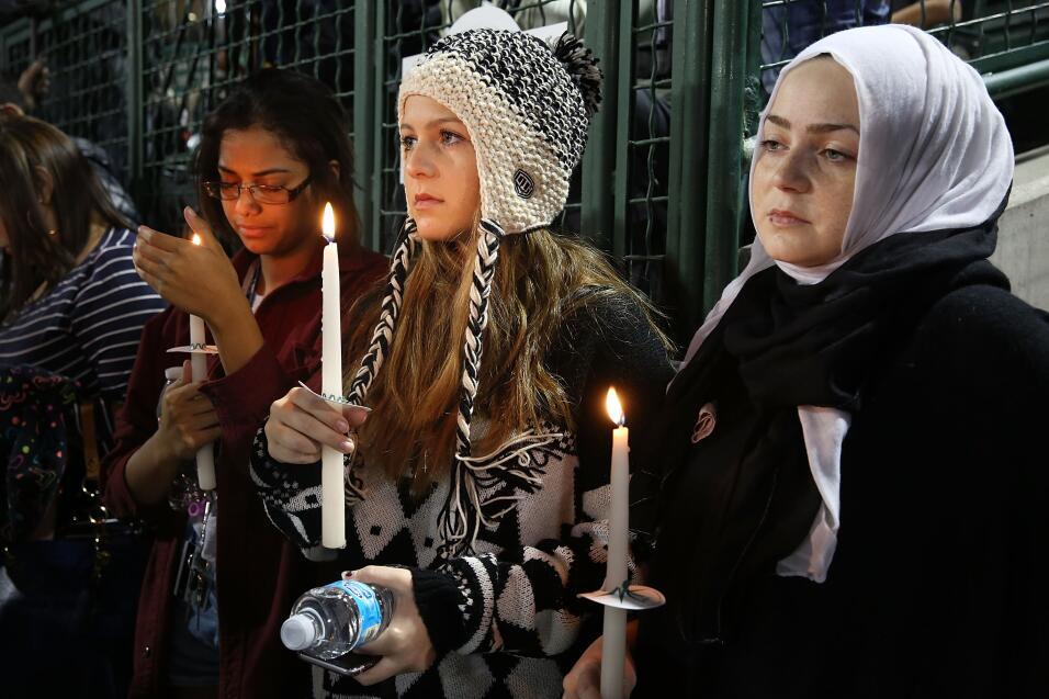 Las víctimas hispanas de tiroteo en California  vigilia5.jpg