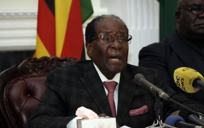 El presidente Robert Mugabe durante la intervención en la que se...