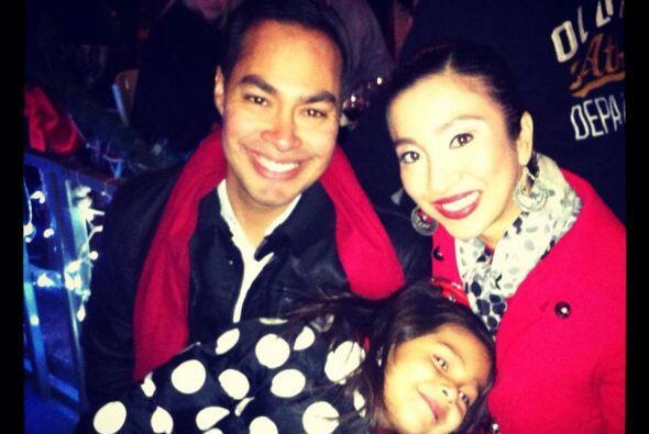 Julian Castro se casó con Erika y de su matrimonio surgió una niña; su a...
