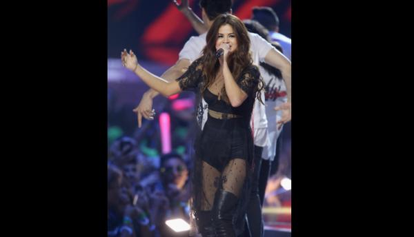 ¿Cuál de estos hot basics de Selena crees que incluirá en su 'Revival To...