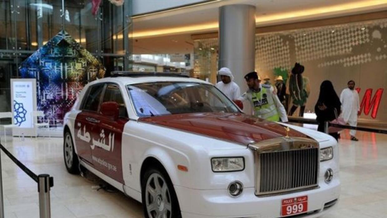 La policía de Abu Dhabi sumó un Phantom a sus filas.
