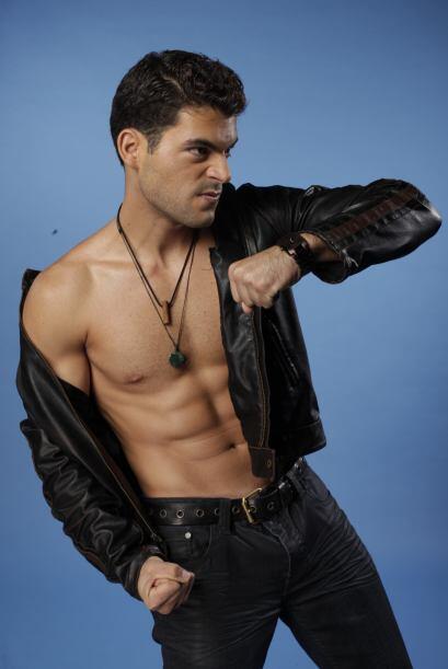 """Adrián: """"Mi carisma y mi talento son suficientes para seducir al público..."""