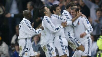 Los 10 mejores | El 'Mago' Zinedine Zidane sacó de entre la manga su mejor gol en la final del 2002