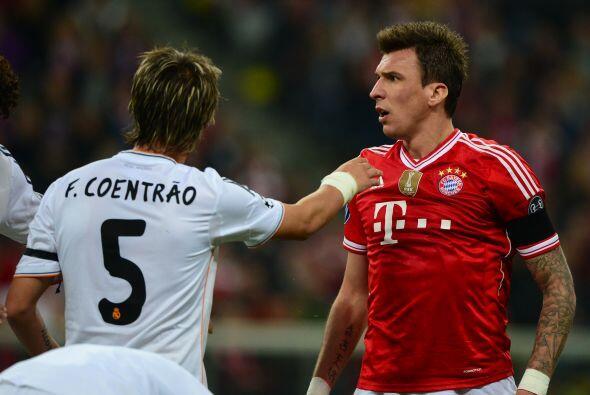 Mandzukic (2): No remató ninguna pelota, superado por la contundencia aé...