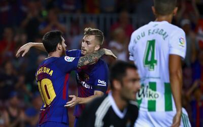 El cuadro culé festeja uno de los dos goles con los que venci&oac...