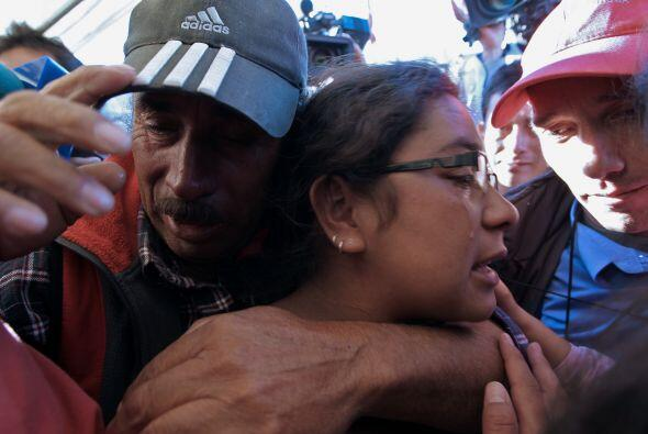 Su padre, Alfonso y demás familiares lo esperaron en la superfici...