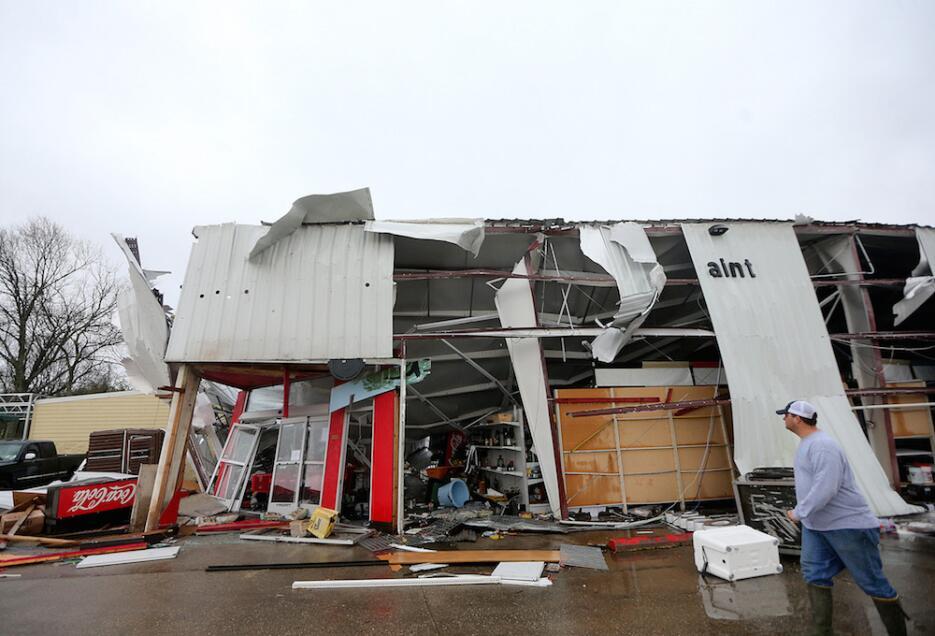 Tormentas y tornados azotan Louisiana y Mississippi tornado4.jpg