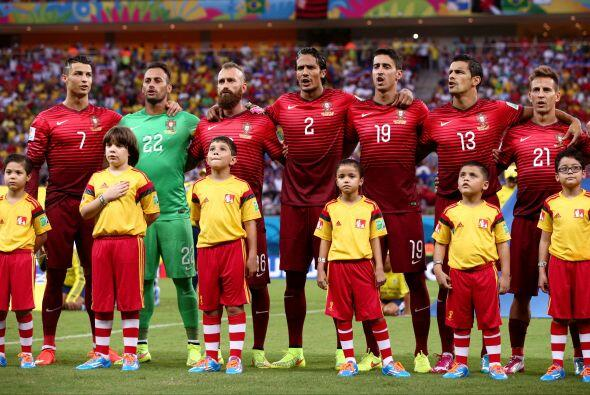 Y así como España dejó desinflados a sus fanáticos, Portugal siguió sus...