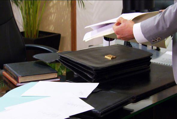 ¡Te lo dijimos! ¿Dónde está el papel en blanco que don fernando te firmó?