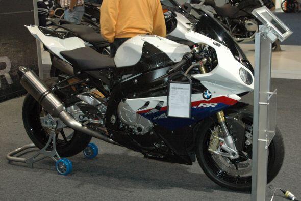 BMW mostró en México la S 1000 RR, un modelo súper deportivo y muy poder...