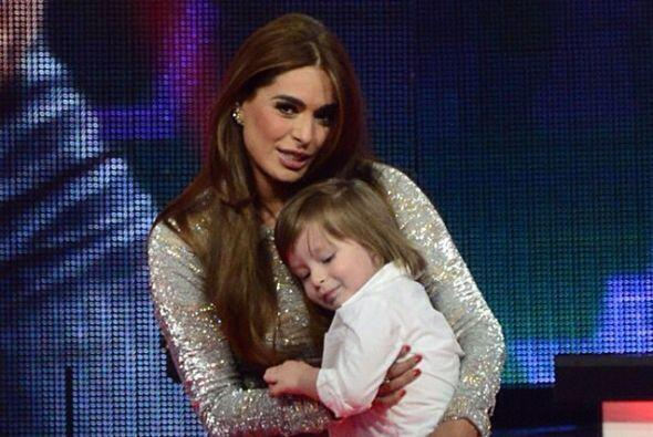 Ahora es una de las mamás más bellas de la televisión hispana.