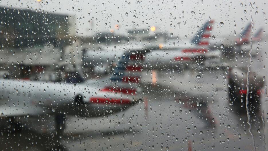 Una cuarta parte de los vuelos en el JKF y en Newark/Liberty también tuv...