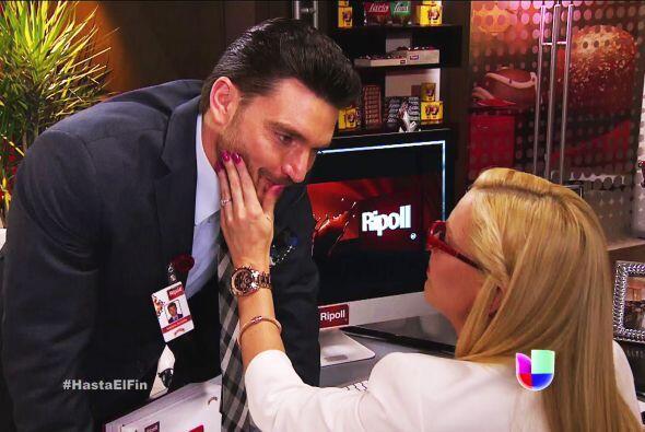 Esa carita de niño bueno no te la creemos Patricio, sólo Sofía cae en tu...