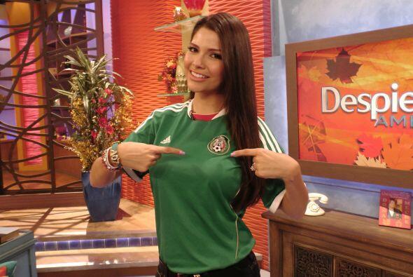 Ana no podía quedarse atrás pues siempre lleva a México en su corazón.