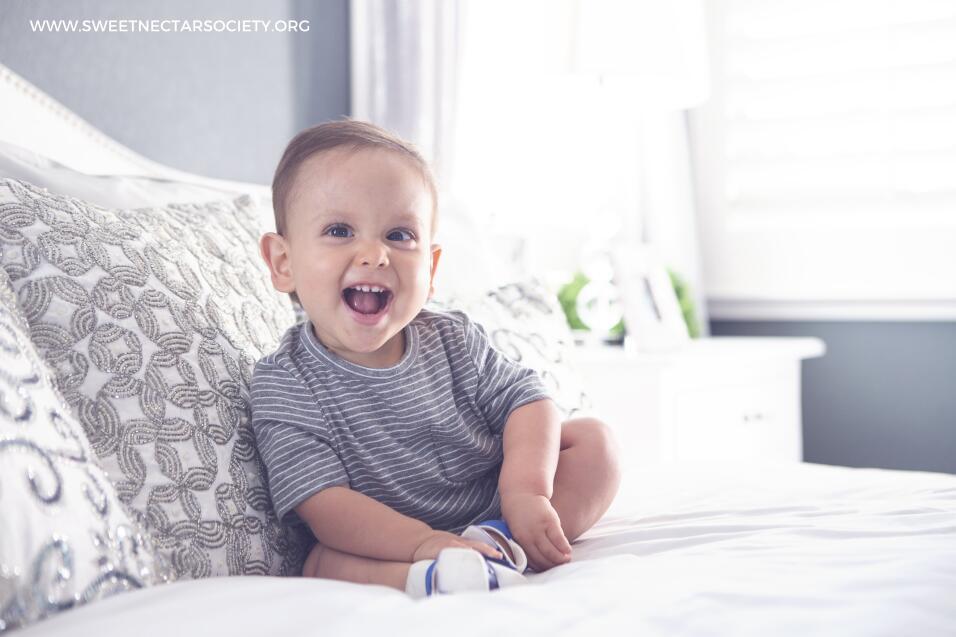Niño diagnosticado con espina bífida que fue retratado por Sweet Nectar...