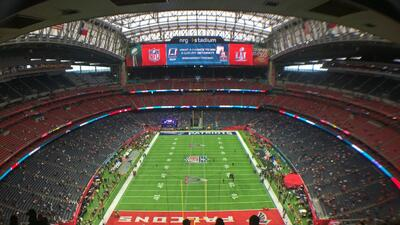 El colorido previo al arranque del Super Bowl LI en Houston