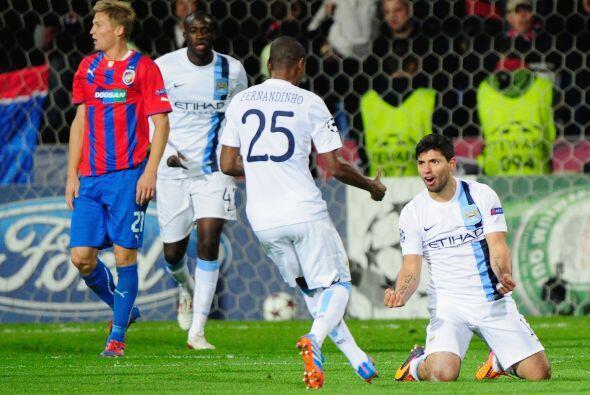 El 'Kun' consiguió su gol y el 3-0 ya marcaba la diferencia entre los eq...