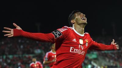 Raúl Jiménez no se va, se siente feliz en el Benfica