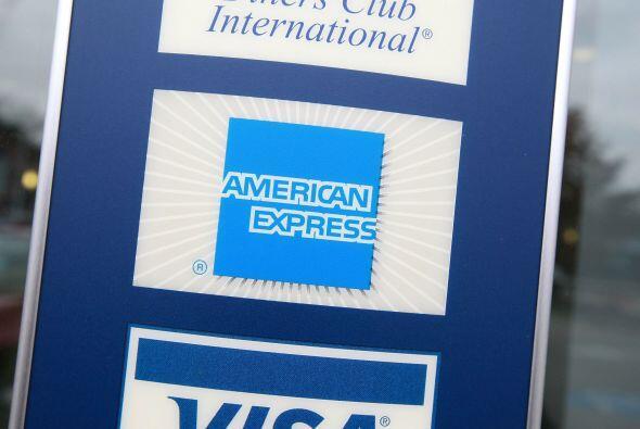 AMERICAN EXPRESS- El grupo financiero American Express anunció un aument...