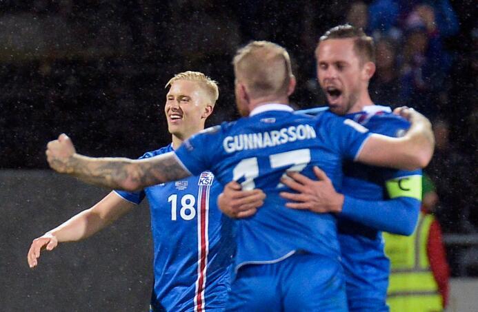 Ironía de la vida: Aron Johansson dejó Islandia para ser mundialista con...
