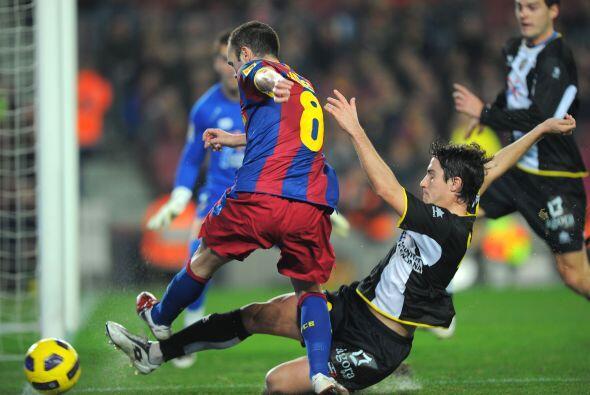 Andrés Iniesta fue de los jugadores más peligrosos, pero sin fortuna de...
