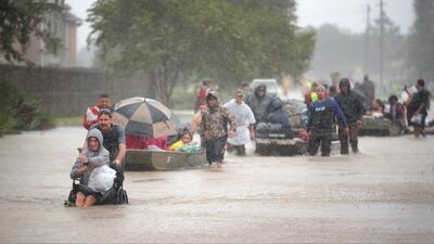 Anuncian ayuda legal para personas que fueron afectadas por el paso del huracán Harvey
