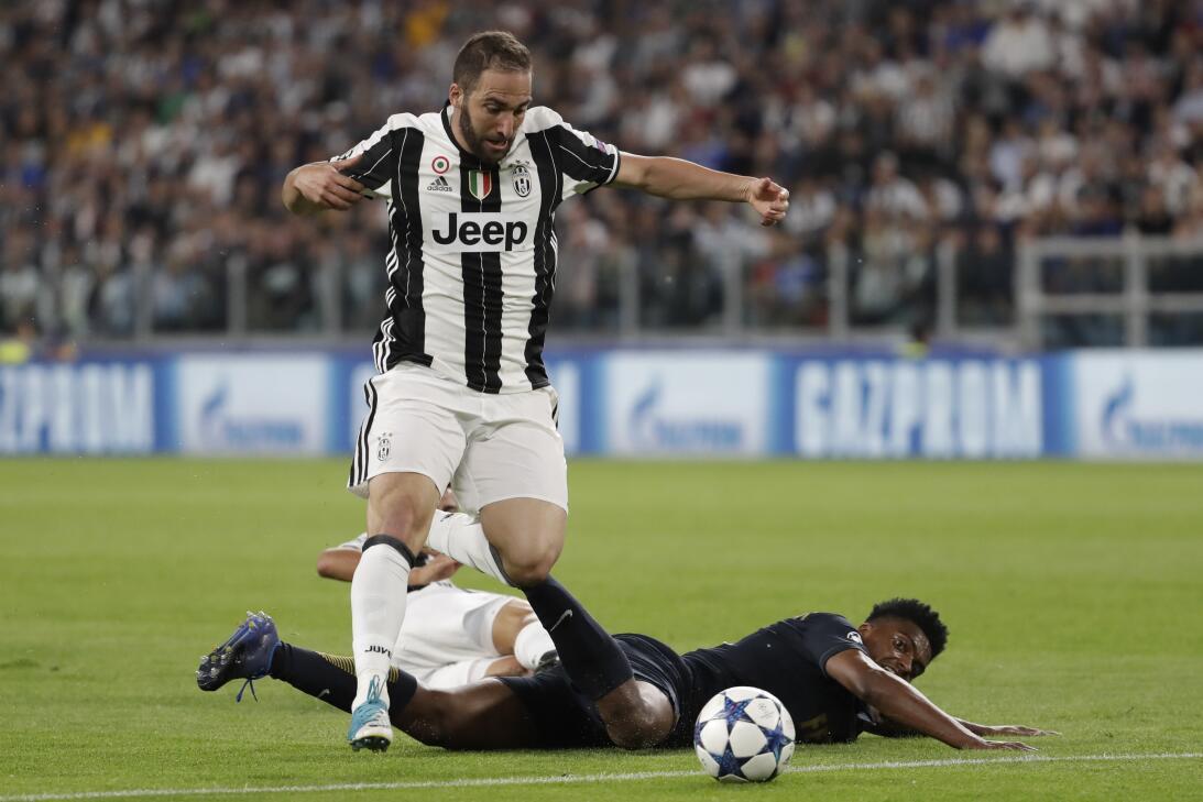 ¿Finalmente Buffon será recompensado con 'La Orejona'? AP_17129691925572...