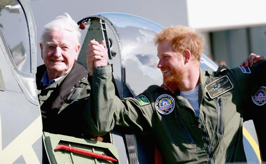 Harry celebró sus 31 años el 15 de septiembre con nuevo look.
