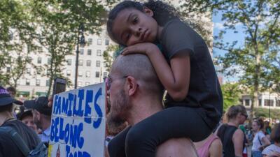ICE ha arrestado a indocumentados que han acudido a reclamar a niños sin papeles, según reportes