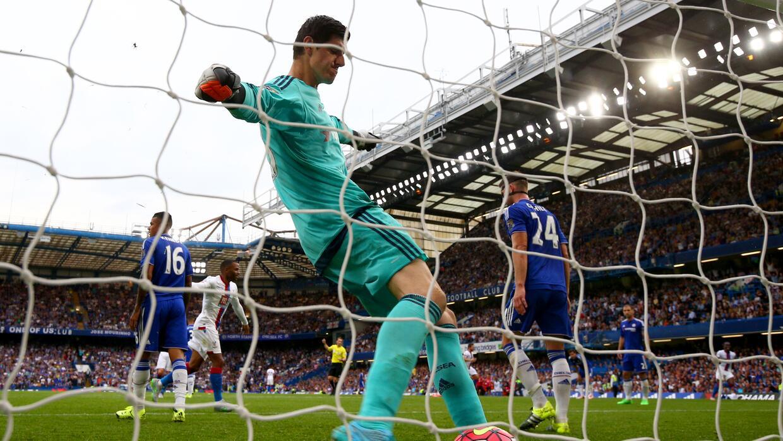 Thibaut Courtois se lesionó durante un entrenamiento con el Chelsea.