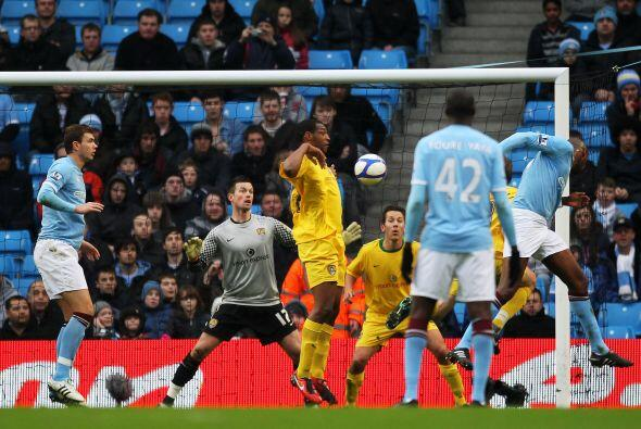 Dos goles del francés fueron importantes para que el City ganara por 5-0.