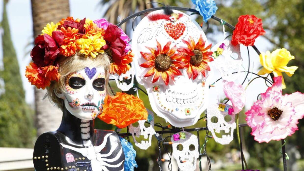Hollywood Forever festeja el Día de los Muertos Untitled-1.jpg