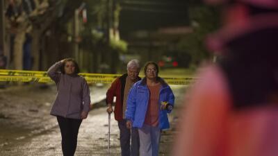 Pobladores sorprendidos por el sismo. (Imagen de Archivo).