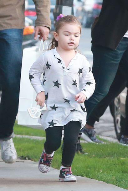 ¡Y mira qué hermosa está la pequeña Elena!