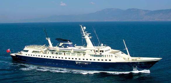 """El """"Alexander"""" mide 400.3 pies de largo, es comandado por una tripulació..."""