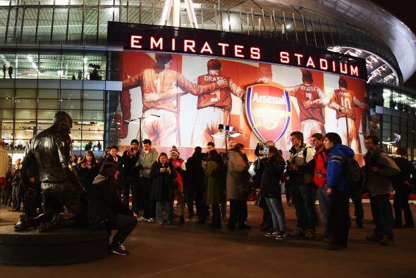 La afición del Arsenal vivió una fiesta en la tercera rond...