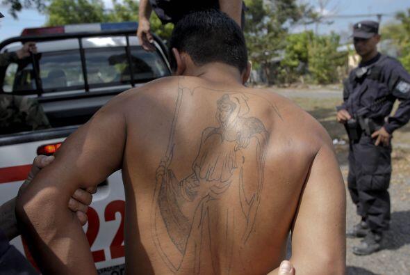 En el comunicado se indica cómo el narcotráfico se extiende a través de...